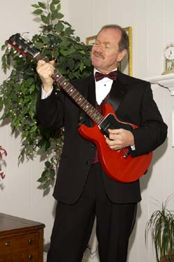 Will Roberson entertains at Formal Event.jpg